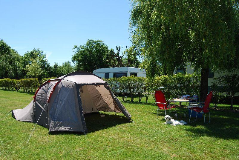 Emplacement c&ing pour votre tente à Pornic & Campsite France Pornic - CAMPING LES BLEUETS ** - Loire Atlantique